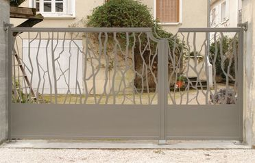 fabrication portail sur mesure Grenoble